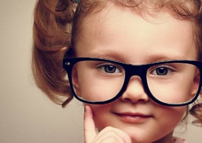 little-girl-wearing-glasses